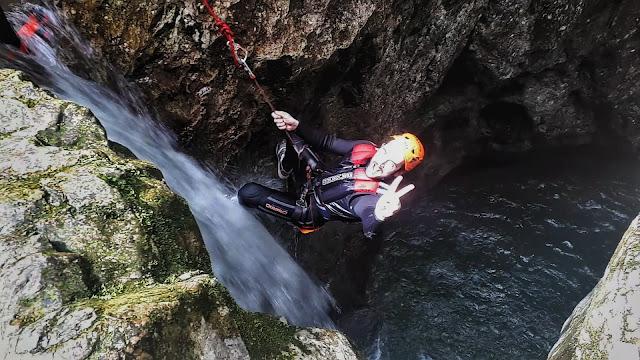 Canyoning rappel down rio nero in valle di ledro Trentino