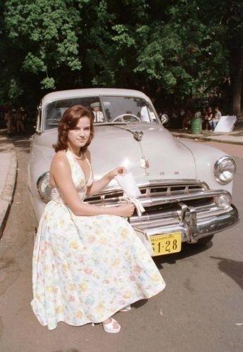 A atriz ana paula arósio jovem