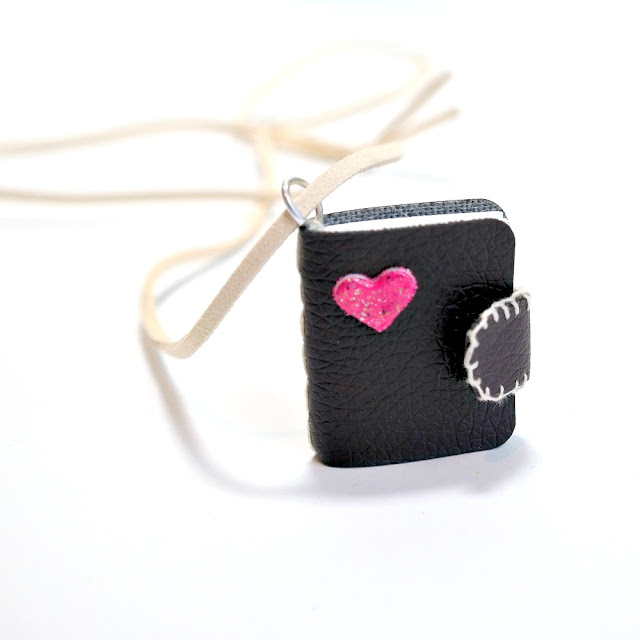 3D Heart Mini Book by Dana Tatar for Scrapbook Adhesives by 3L