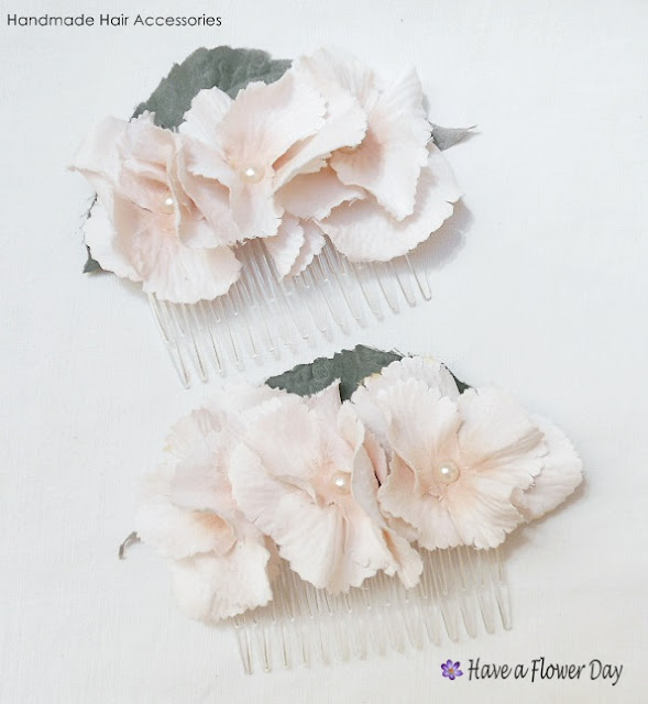 HORTENSIAS. Peineta con flores · HYDRANGEAS. Hair comb with flowers