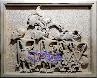 Ukiran relief wayang pendawa lima dari batu alam jogja, batu pars putih