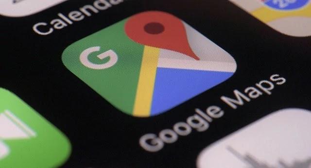 Apesar do fim do horário de verão, usuários brasileiros relataram que seus celulares adiantaram os relógios em uma hora na madrugada deste domingo (3).