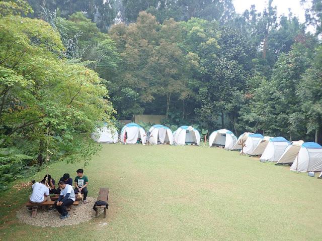 persiapan camping bersama anak
