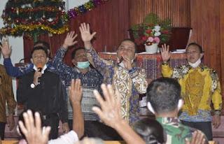 Sambut Natal Dan Tahun Baru 2021, Bupati  Bakhtiar Berikan Tali Kasih Kepada 7.500 KK di Tapteng