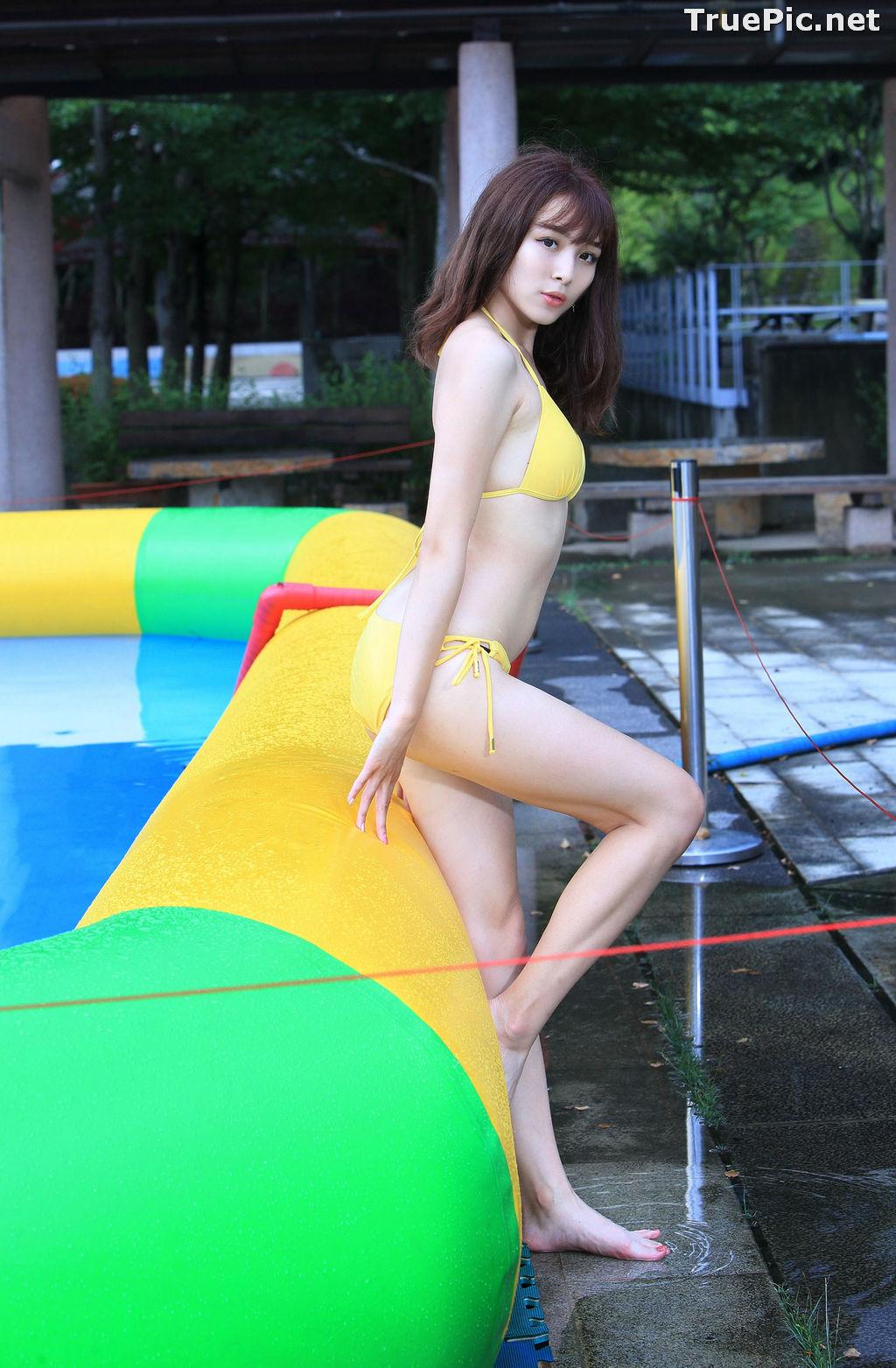 Image Taiwanese Model - Ash Ley - Yellow Bikini at Taipei Water Museum - TruePic.net - Picture-62