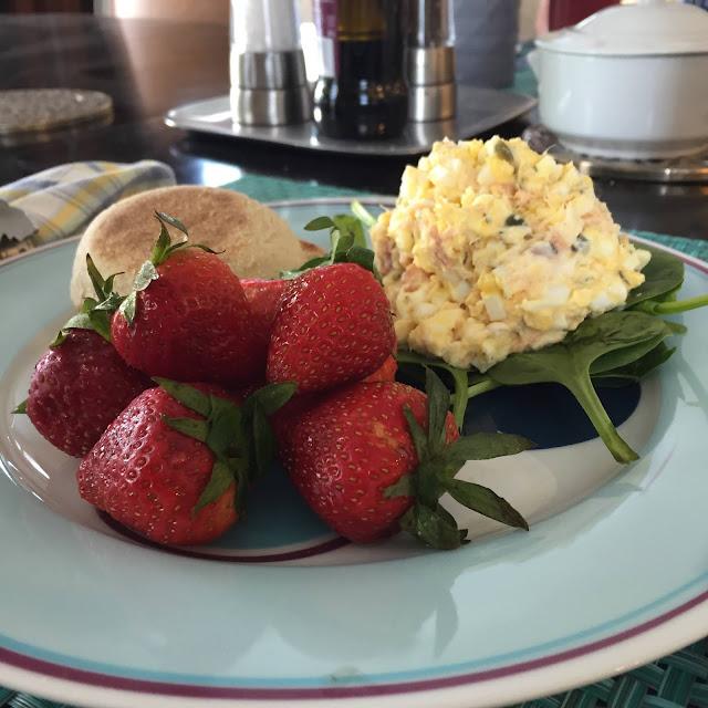 Easter Egg Salad Served Up on Livliga's Halsa dinnerware