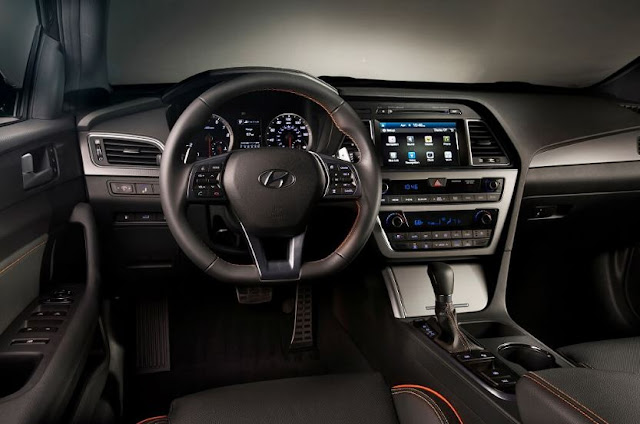 2017 Hyundai Azera Interior