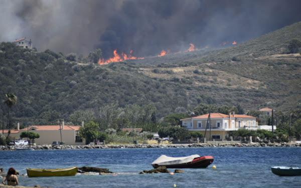 Πενήντα επτά πυρκαγιές σ΄ ένα 24ωρο στην επικράτεια – Σε εξέλιξη στην Εύβοια, σε ύφεση στον Βαρνάβα Αττική