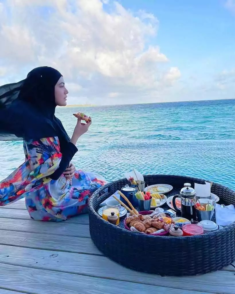 Beautiful Pictures of Sana Khan Enjoying The Holidays With Her Husband