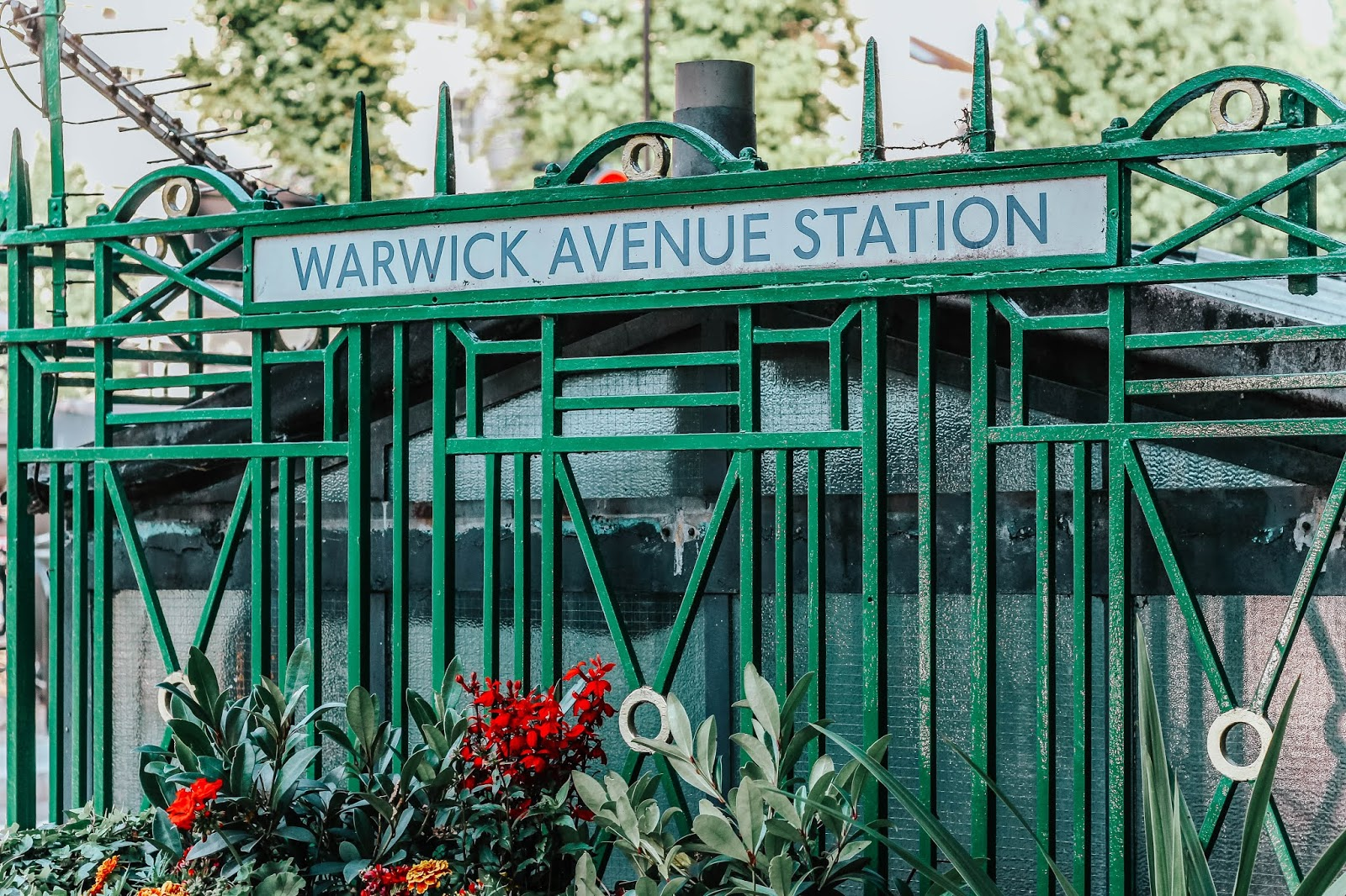 Little Venice London Warwick Avenue Station Sign