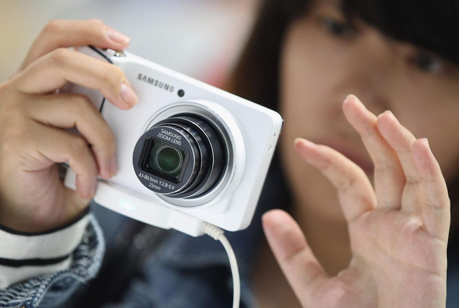 Lensa Kamera Digital Macet