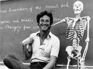 Chrichton muda saat masih menjadi mahasiswa kedokteran di Harvard University. (Sumber: google)