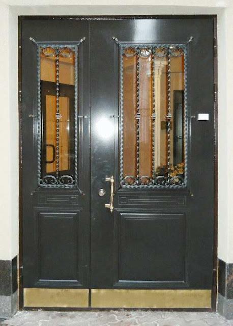 thiết kế cửa sắt 2 cánh