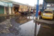 Warga Seputar Terminal dan Pasar Sukaraja Mengeluhkan Genangan Air