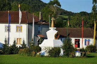 "temple bouddhiste ""Pema Yang Dzong"" : la Forteresse de Padma"
