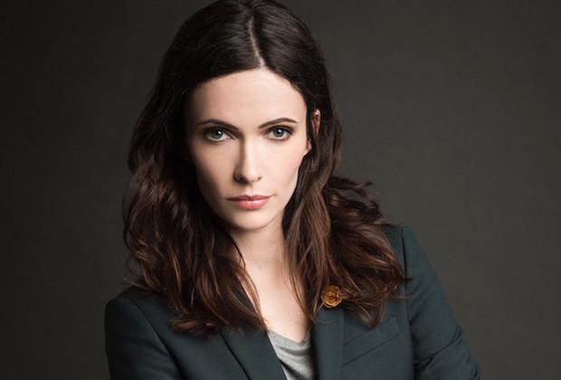 Já é confirmado algumas coisas como, o episódio piloto da série ocorrerá no tradicional crossover das séries da CW, além disso, a atriz Elizabeth Tullock foi escalada como Louis Lane.