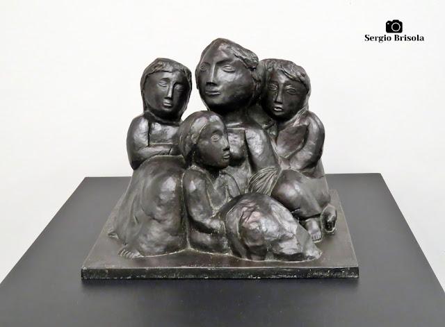 Close-up da Escultura Emigrantes - Museu Lasar Segall - São Paulo