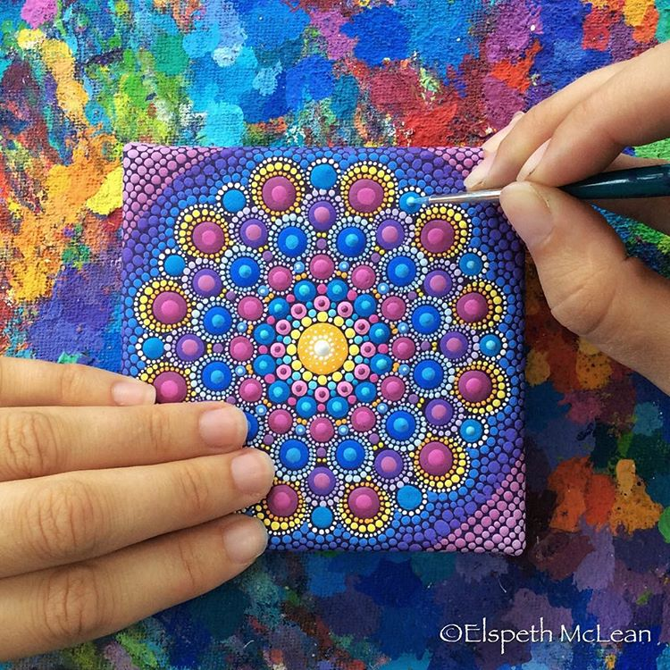 21-Tiny-Intricate-Detail-Elspeth-McLean-Dotillism-Paintings-Mandala-on-Stones-Canvas-and-Clothes-www-designstack-co