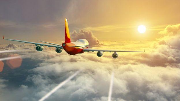 Lo que las estelas de los aviones están haciendo a nuestro planeta (y no tiene que ver con teorías de la conspiración)