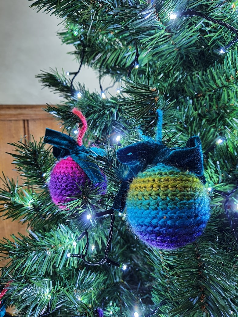 How to Make Rainbow-Themed Crochet Christmas Baubles