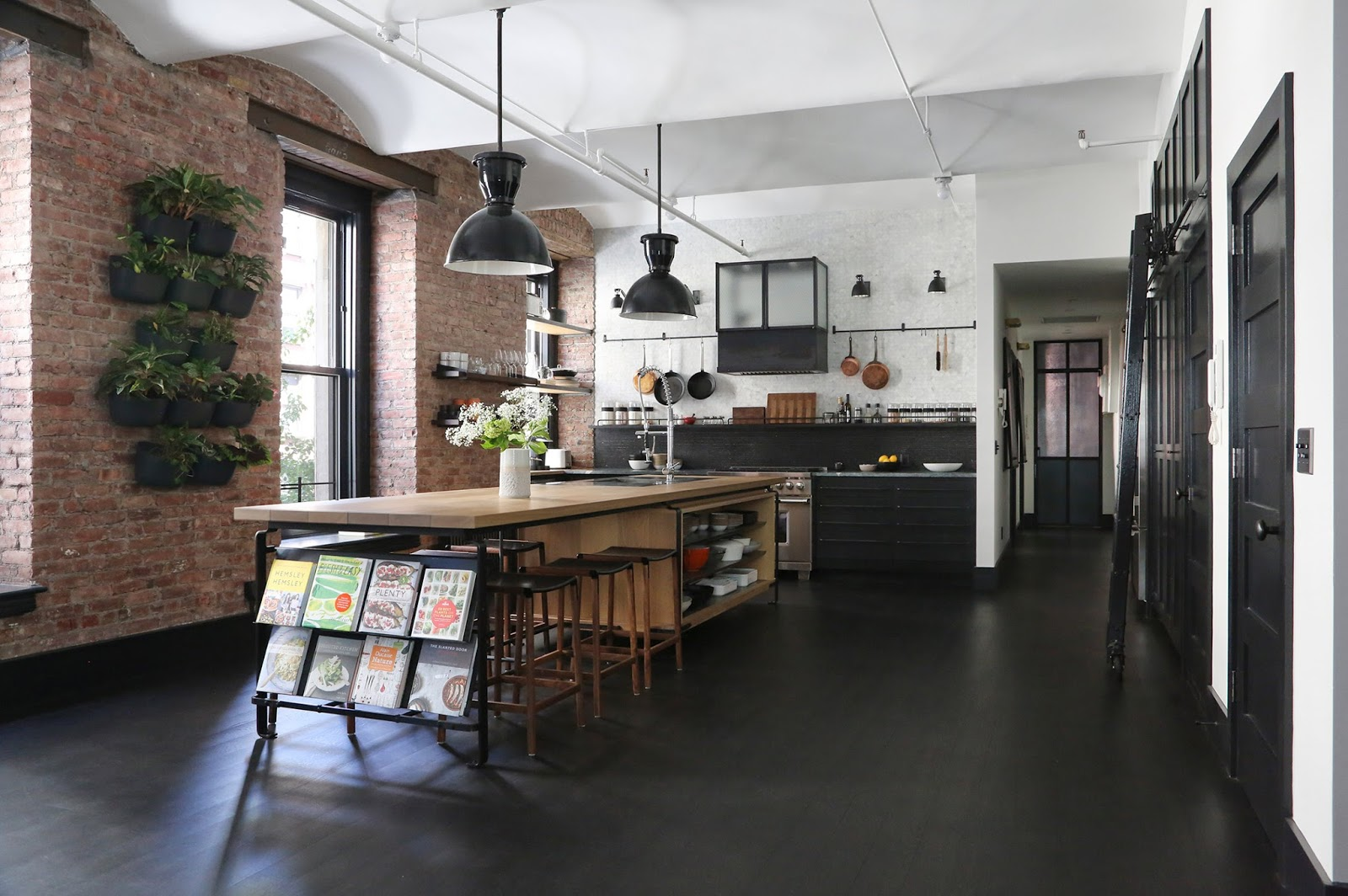 Loft industriale e moderno a new york by union studio for Design moderno casa industriale