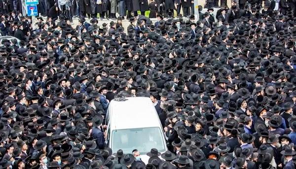 Ribuan Yahudi Ultra-Ortodoks Tantang Pembatasan Ketat Israel