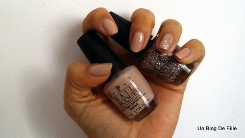 http://unblogdefille.blogspot.fr/2014/11/swatch-opi-dont-pretzel-my-buttons-rose.html