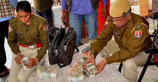 Jaipur. Rajasthan, Crime News, Robbeery, Robbery in Jaipur, Dairy Cashier, Jaipur Police, CCTV Footage, Jaipur News, Rajasthan News