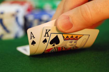Alasan Kenapa Begitu Banyak Orang Terkena Demam Poker Online