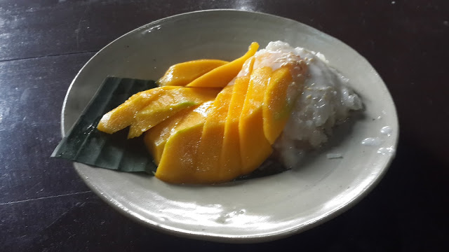 Mango Sticky Rice ala Ayam Cabe rawit