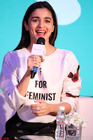 Alia Bhatt looks super cute in T Shirt   IMG 7829.JPG