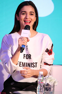 Alia Bhatt looks super cute in T Shirt   IMG 7829.JPG