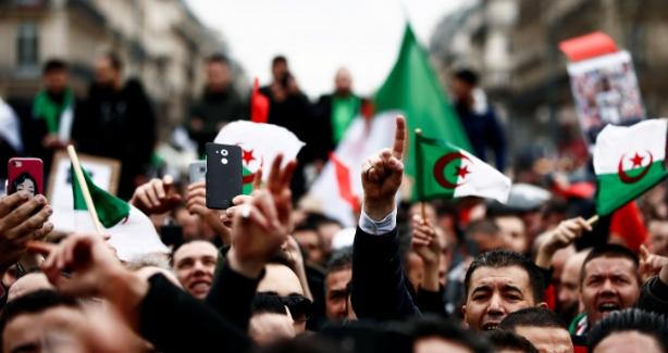 فضائح جنرالات الجزائر كتاب لا ينتهي..عبد المجيد تبون يرقص على إيقاعها!!