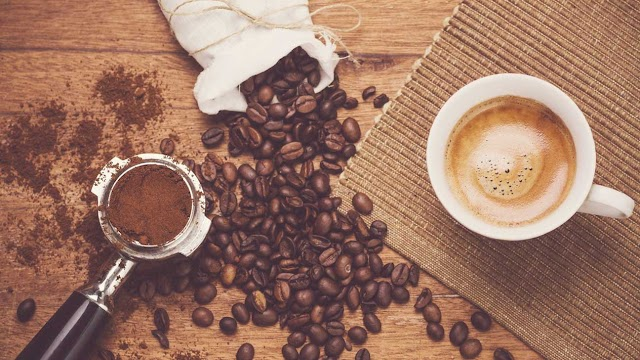 """สวยทั่วร่างด้วย """"สครับกาแฟ"""" ที่มีดีมากกว่าขัดผิวขาว"""