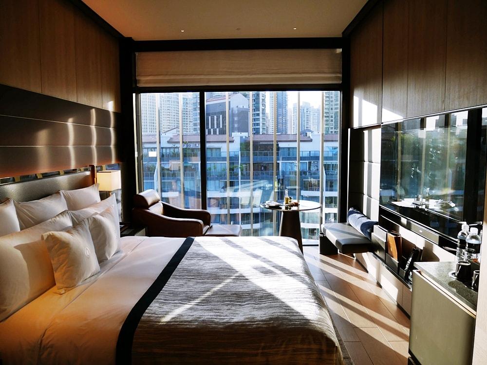 DELUXSHONIST INTERCONTINENTAL ROBERTSON QUAY HOTEL SINGAPORE
