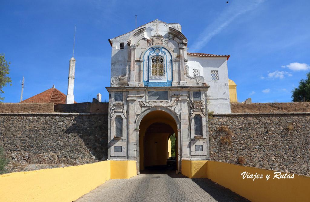 Puerta de la fortaleza de Elvas