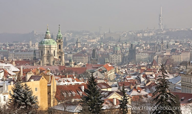 Зимние крыши панорама Праги