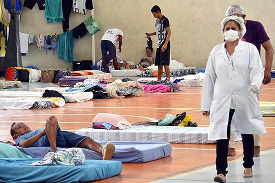 Abrigo para pessoas vulneráveis em ginásio de Manaus