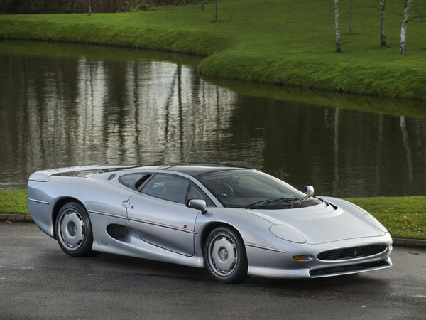 Stunning Silver Jaguar XJ220 For Sale