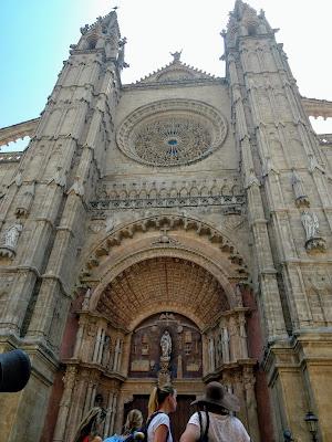 Antigua  Catedral de Santa María con más de 800 años de Palma de Mallorca