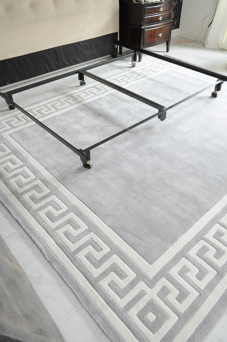 Momeni gray greek key border rug from PlushRugs.com