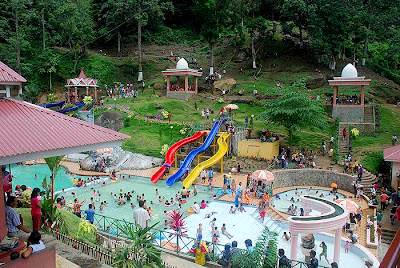 Waterboom sawahlunto-Pioner sarana permainan air