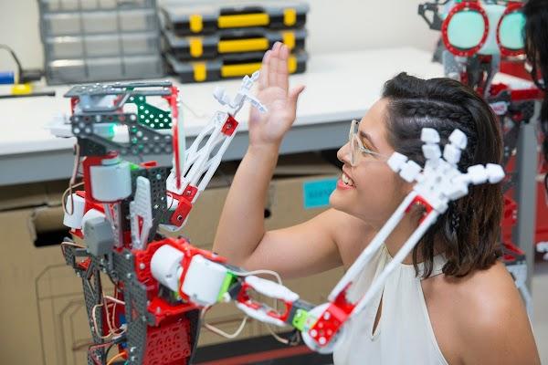 Conoce el primer School Fab Lab del Ecuador
