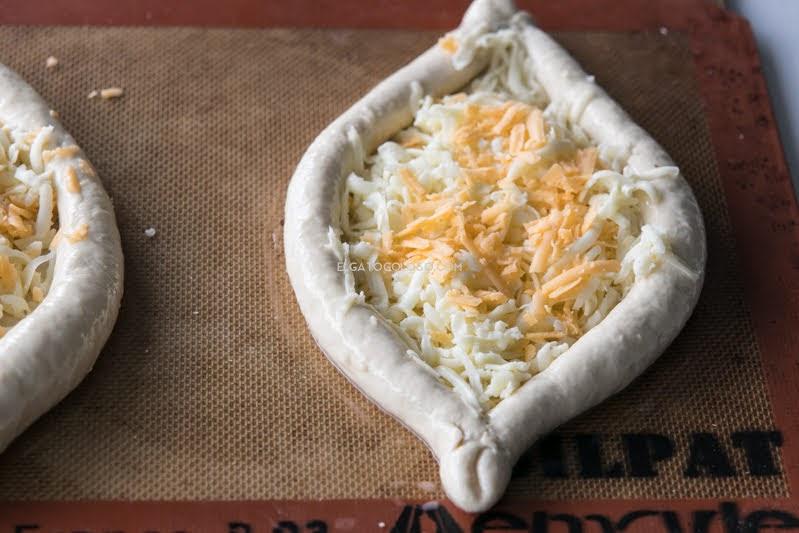 khachapuri, pan de queso y huevo de Georgia vía elgatogoloso.com