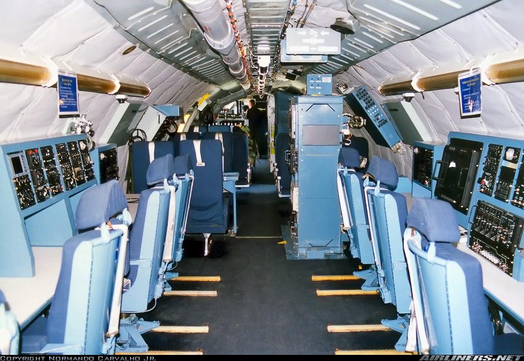 Interior do Boeing OC-135B (717-158)