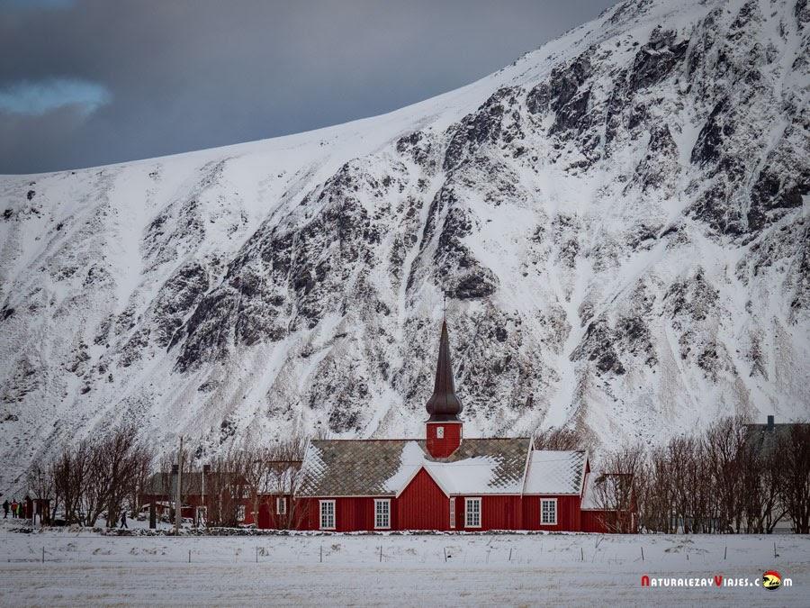 Flakstad Kirke, en las Lofoten