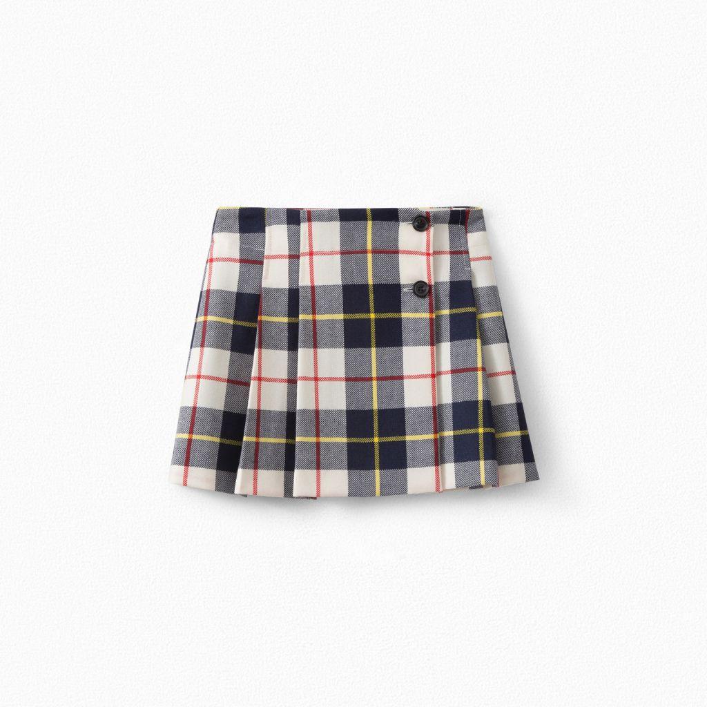 Princess Estelle wore BonPoint Girls short Tartan Wool Skirt in New portraits
