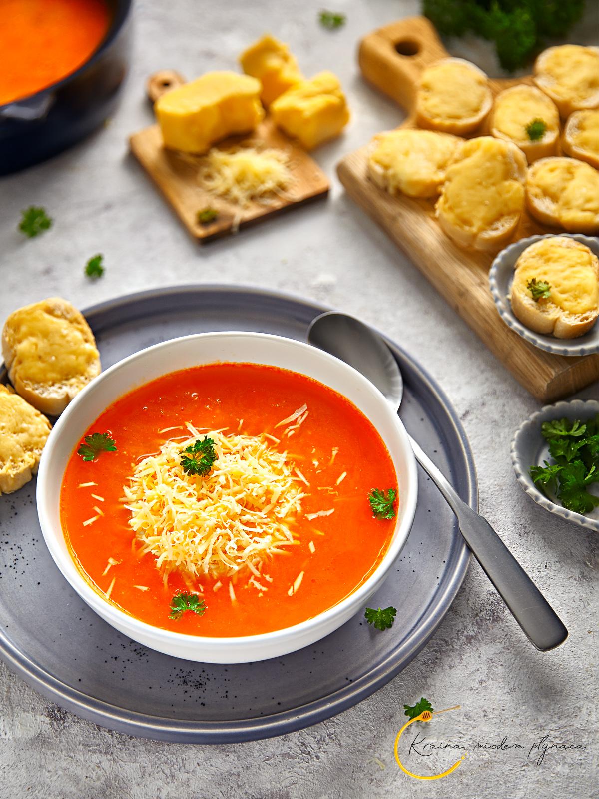 zupa z pieczonej papryki, zupa z pomidorów, zupa paprykowa, zupa pomidorowa, zupa pomidorowo paprykowa, zupa peperonata, pieczona papryka, kraina miodem płynąca, fotografia kulinarna szczecin