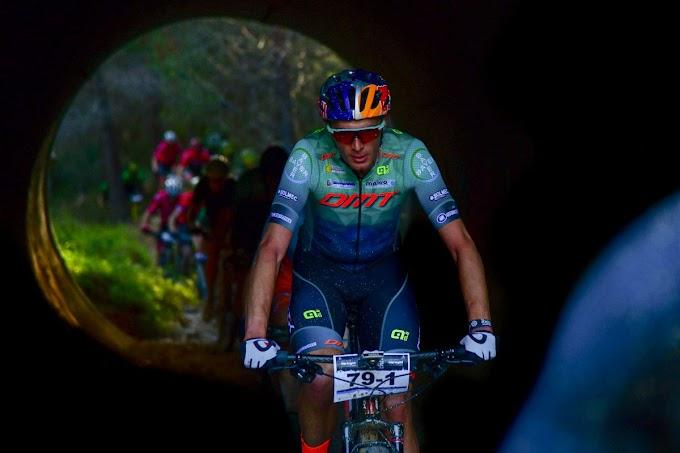 La pareja del DMT Racing Team, Tiago Ferreira y Hans Becking se imponen en la 1ª etapa de la Costa Blanca Bike Race 2020