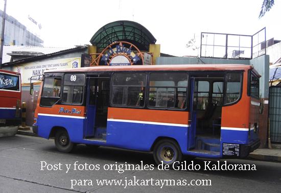 Autobús Metro Mini en Yakarta